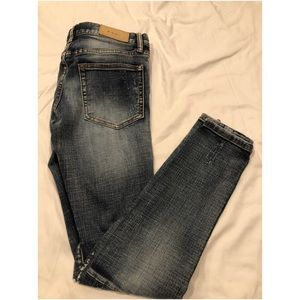 MNML Distressed Denim Jeans